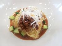 おかやま山陽高校調理科オリジナルレシピによる『汁なし担担麺』です。